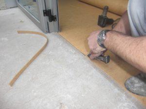положить линолеум на бетонный пол самостоятельно